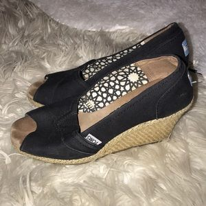 Toms Shoes - Toms 6.5 black wedges